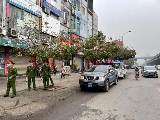 Xử phạt 231 trường hợp xe máy đi ngược chiều trên các tuyến đường chính của quận Thanh Xuân ảnh 1