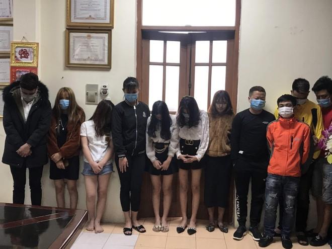Đột kích quán karaoke, bắt quả tang 24 nam nữ sử dụng ma túy ảnh 1