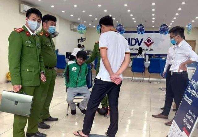 Xác định nhân thân đối tượng cướp tại phòng giao dịch Ngân hàng BIDV ảnh 1