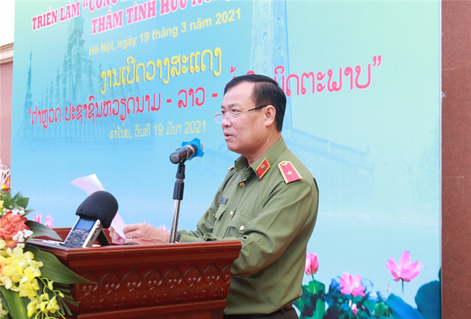 """Khai mạc Triển lãm """"CAND Lào - Việt - Thắm tình hữu nghị"""" ảnh 1"""