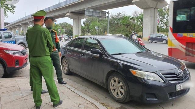 Chuyển hồ sơ vụ tài xế say rượu, hành hung cảnh sát giao thông sang quân đội xử lý ảnh 1