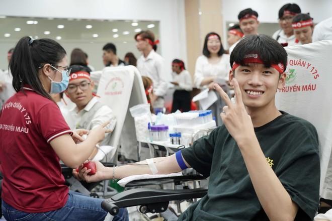 Amway Việt Nam đồng hành cùng chương trình Chủ nhật đỏ ảnh 2