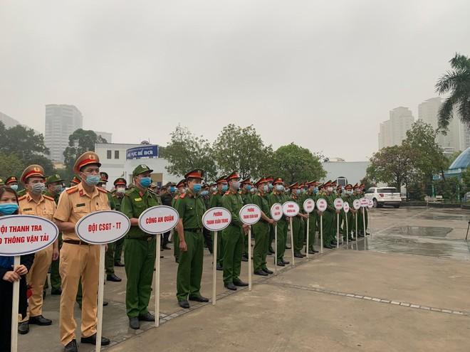 Quận Thanh Xuân ra quân 'Năm An toàn giao thông và bảo đảm trật tự đô thị' ảnh 2