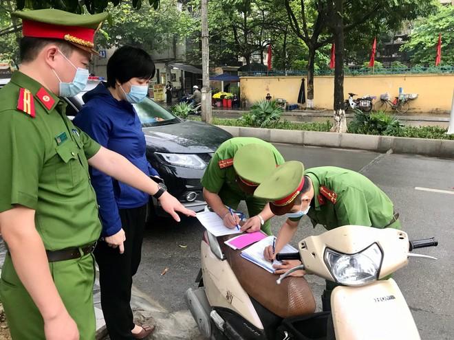 Quận Thanh Xuân ra quân 'Năm An toàn giao thông và bảo đảm trật tự đô thị' ảnh 4
