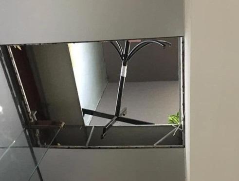 Hà Nội: Điều tra vụ thủng trần khiến đôi nam nữ... rơi tự do từ tầng 2 ảnh 1
