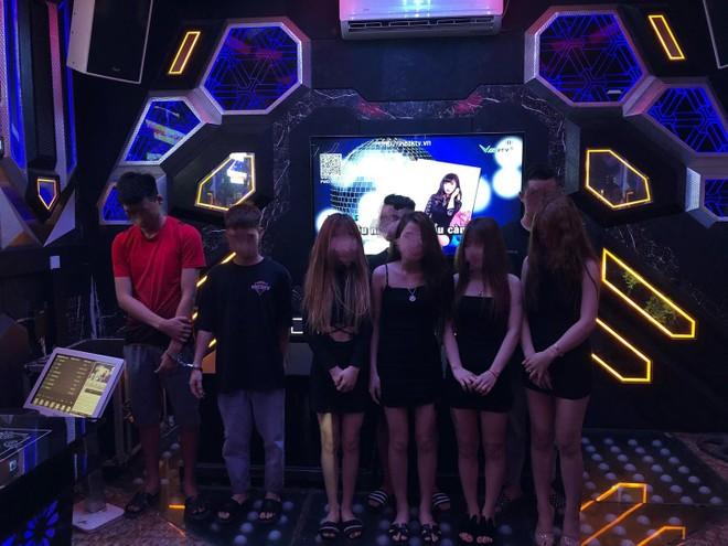 Quản lý quán karaoke New Way bán ma túy cho khách 'bay lắc' tại phòng hát ảnh 1