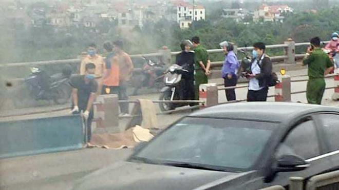 Điều tra vụ tai nạn giao thông trên cầu Thanh Trì khiến một nam giới tử vong ảnh 1