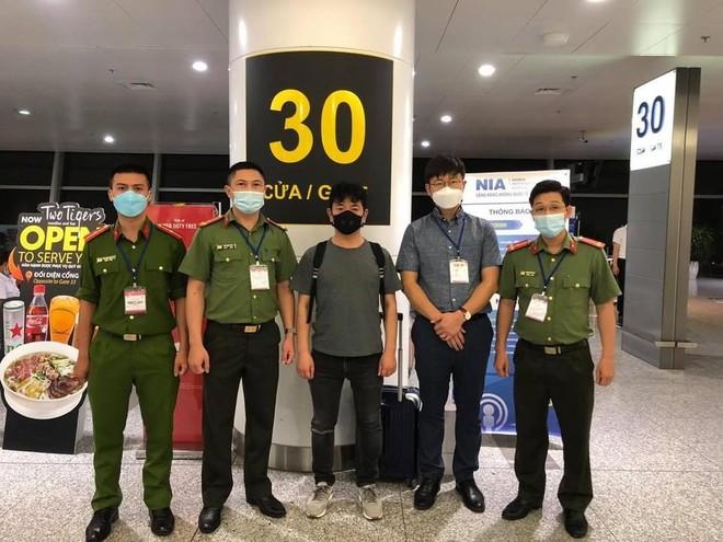 Bắt đối tượng người Hàn Quốc có lệnh truy nã của Interpol ảnh 2