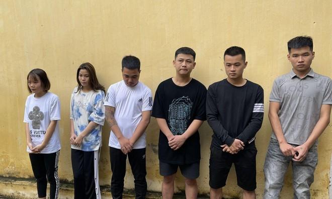 Nhóm thanh niên 'điều' nhân viên nữ đến quán hát cùng sử dụng ma túy ảnh 1