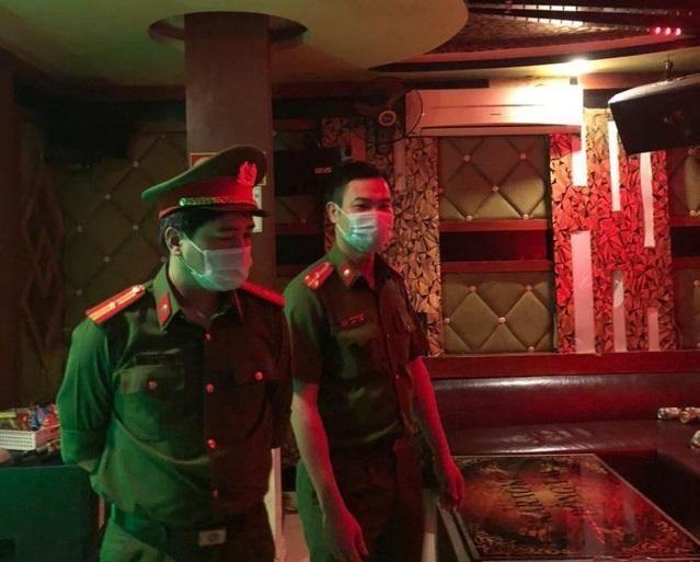 Hà Nội: Xử lý nghiêm các cơ sở karaoke, quán bar hoạt động 'chui' ảnh 1