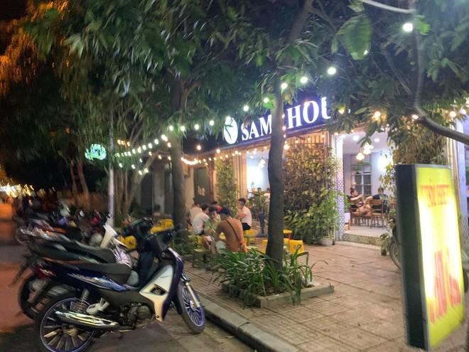 Quận Bắc Từ Liêm (Hà Nội): Hàng quán ngang nhiên hoạt động trên hè, bất chấp lệnh cấm ảnh 2