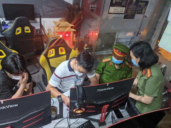 Xử lý một quán game hoạt động 'chui', bất chấp lệnh cấm ảnh 1
