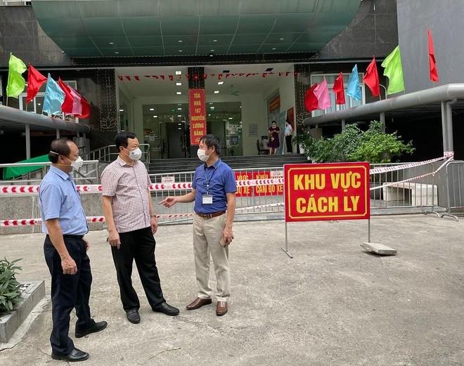 Hà Nội: Phong tỏa tầng 7 tòa nhà 187 Nguyễn Lương Bằng nơi có bệnh nhân dương tính Covid ảnh 1