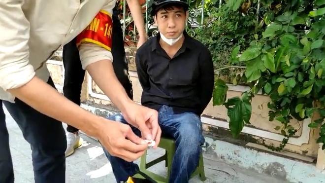 Cảnh sát 141 Hà Nội phát hiện đối tượng giấu ma túy trong ví da ảnh 1