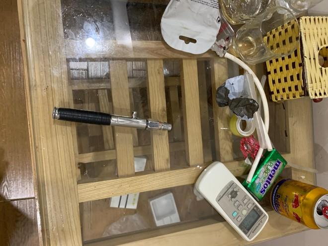 Kiểm tra nhà nghỉ, phát hiện đối tượng giấu đạn súng AK và ma túy ảnh 2