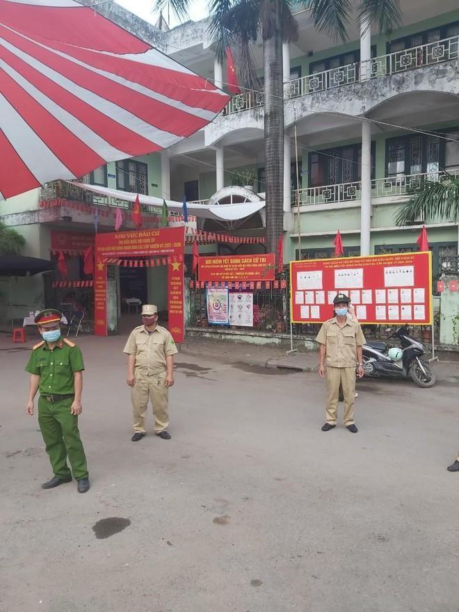 Công an Hà Nội: Đảm bảo tuyệt đối an toàn ngày bầu cử, căng sức trên tuyến đầu phòng chống dịch bệnh ảnh 4