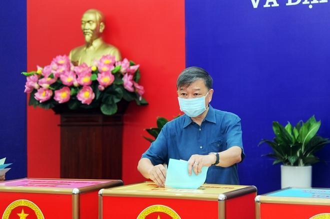 Đại tướng Tô Lâm bỏ phiếu bầu cử tại quận Ba Đình ảnh 1