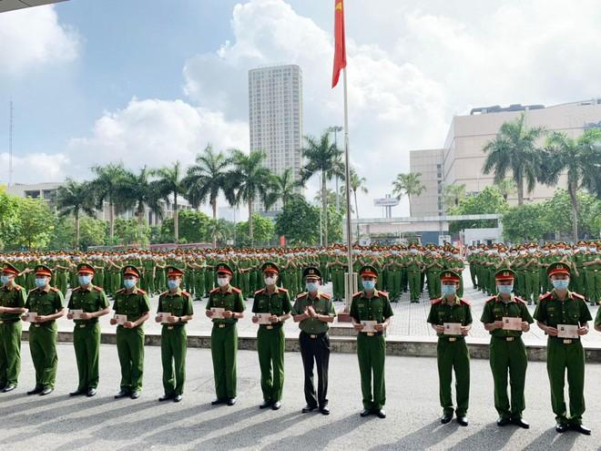 Công an Hà Nội bàn giao 724 chiến sỹ nghĩa vụ về đơn vị công tác ảnh 4