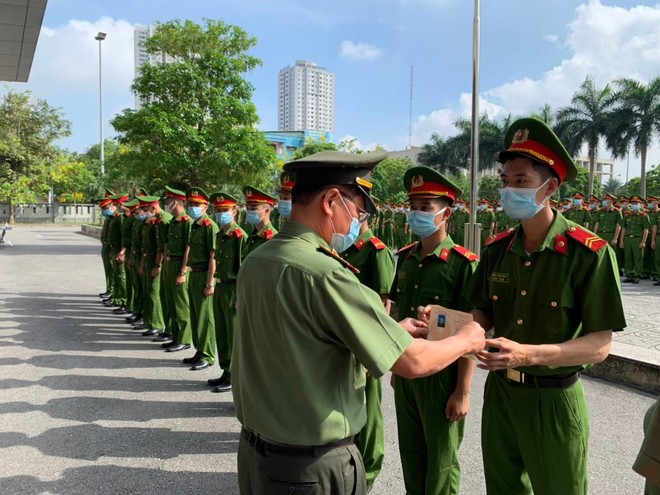 Công an Hà Nội bàn giao 724 chiến sỹ nghĩa vụ về đơn vị công tác ảnh 3