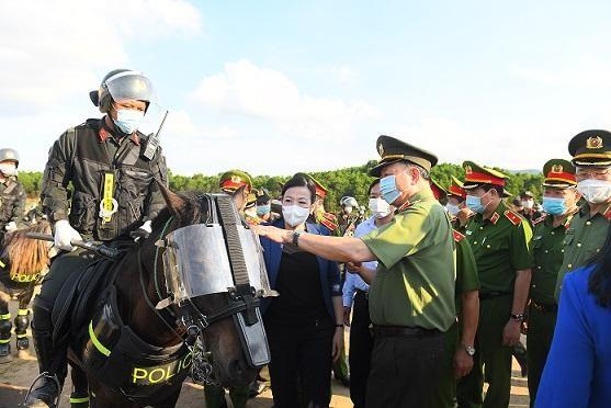 Huấn luyện, sử dụng kỵ binh phù hợp với đặc thù công tác và chiến đấu ảnh 4