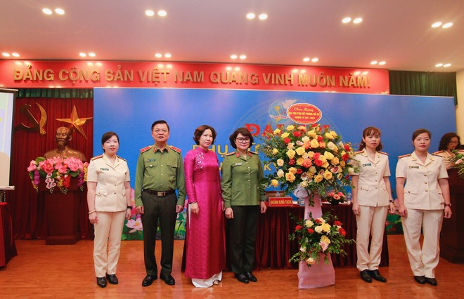 Công an Hà Nội tổ chức thành công Đại hội phụ nữ cấp cơ sở ảnh 2