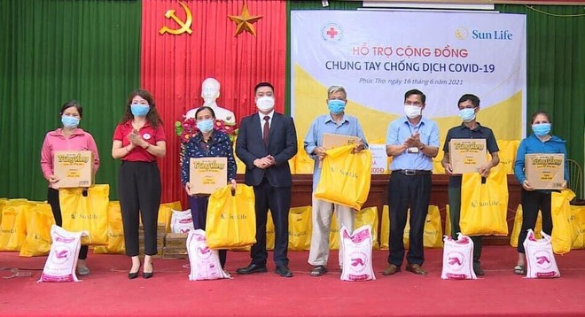 Sun Life Việt Nam đóng góp hơn 1,2 tỷ đồng vào công tác phòng chống dịch COVID-19 ảnh 1
