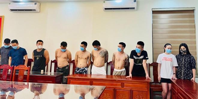 Bắt quả tang 10 nam nữ tụ tập sử dụng ma túy trong khách sạn ảnh 1