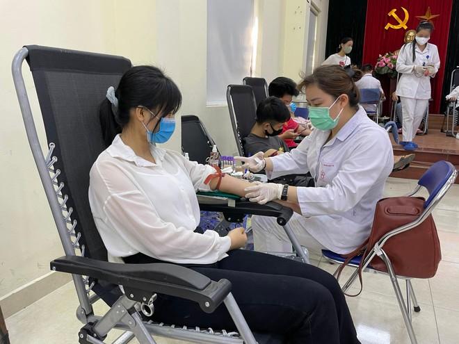 Tiếp nhận 225 đơn vị máu hỗ trợ công tác phòng chống dịch Covid - 19 ảnh 3