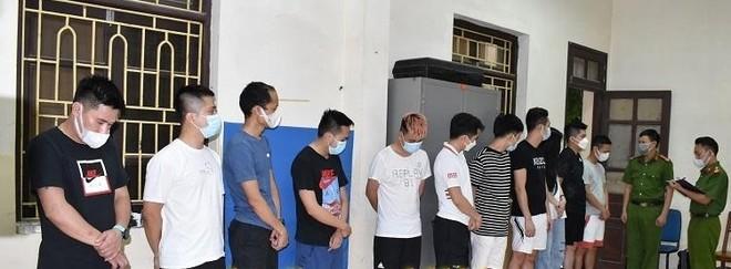 Phát hiện 13 nam nữ thuê phòng nghỉ để 'chơi' ma túy ảnh 1