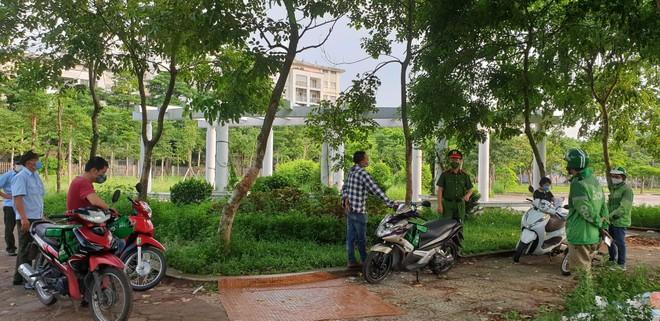 Phạt 51 trường hợp vi phạm quy định phòng chống dịch Covid-19 trên địa bàn quận Long Biên ảnh 2