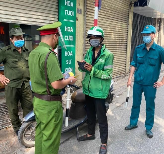 Hà Nội: Xử phạt gần 500 triệu đồng các trường hợp vi phạm phòng chống dịch Covid-19 trên địa bàn thành phố ảnh 1