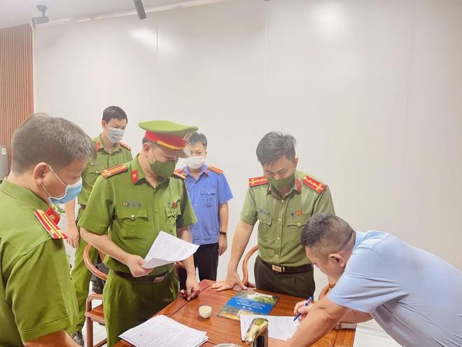 Bắt giữ 2 chuyên gia Trung Quốc buôn lậu máy móc, thiết bị ảnh 1