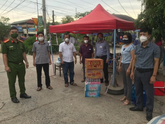 Huyện Thạch Thất bố trí 170 chốt phòng chống dịch Covid-19 trên địa bàn ảnh 7