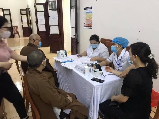 Tổ chức tiêm vaccine cho chức sắc tôn giáo trên địa bàn huyện Thạch Thất ảnh 2
