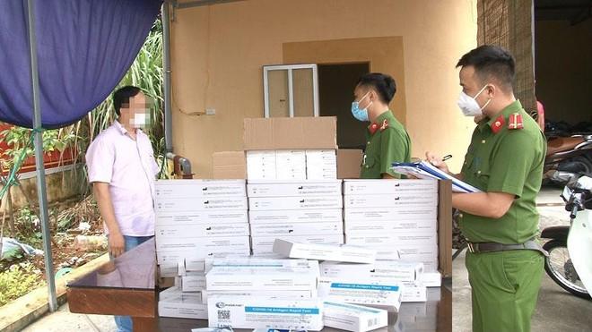 Vận chuyển 1.000 que test Covid-19 không rõ nguồn gốc từ Hà Nội về Ninh Bình ảnh 1
