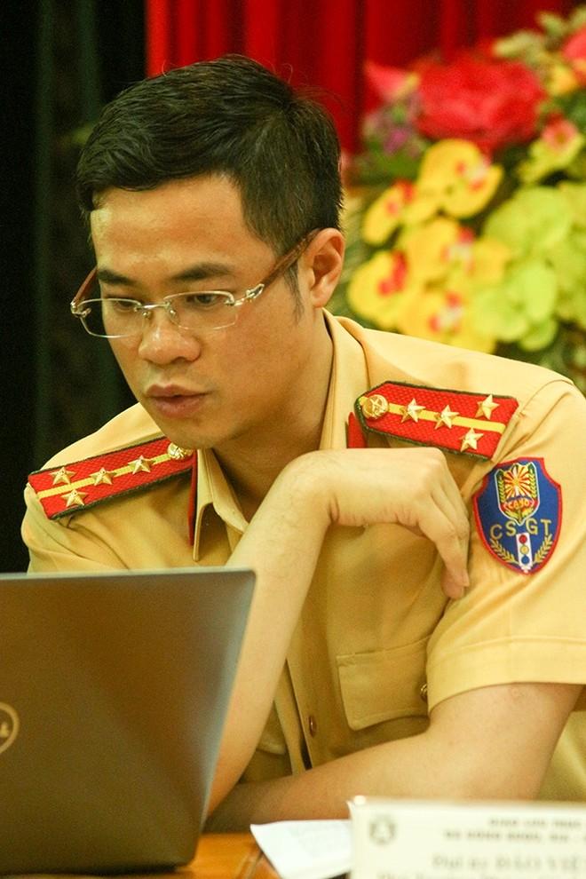 Đại úy Đào Việt Long, Phó Trưởng Phòng CSGT CATP Hà Nội trả lời tại chương trình