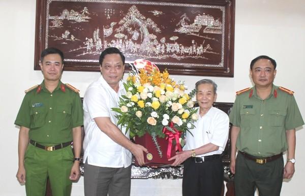 Những đóng góp của các thế hệ lãnh đạo CATP Hà Nội là tài sản vô giá của Công an Thủ đô ảnh 1