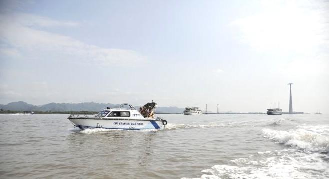 Xử phạt hàng chục tàu, thuyền vi phạm, phòng ngừa tai nạn đường thủy ảnh 1