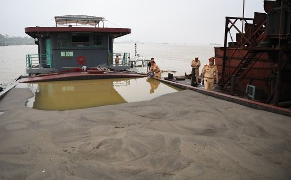 Cảnh sát đường thuỷ phát hiện hơn 500.000 m3 cát trái phép ảnh 1