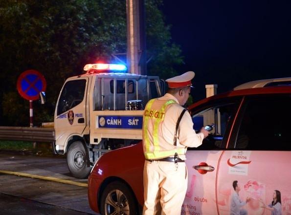 Gần 156.000 lái xe vi phạm nồng độ cồn bị xử phạt trong 11 tháng ảnh 1