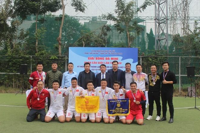 CAQ Cầu Giấy đoạt Á quân giải bóng đá mi ni ảnh 1