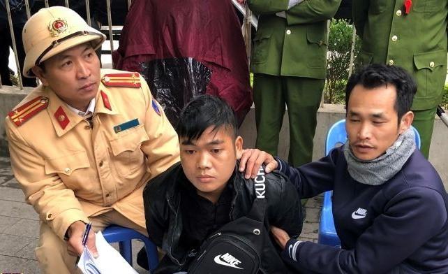 Thứ trưởng Bộ Công an Nguyễn Duy Ngọc gửi Thư khen Cục CSGT bắt giữ đối tượng vận chuyển 4 bánh heroin ảnh 1