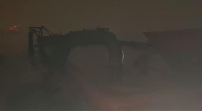 """Cảnh sát đường thủy bủa vây, bắt hàng loạt """"sa tặc"""" giữa đêm buốt lạnh trên sông Hồng ảnh 3"""