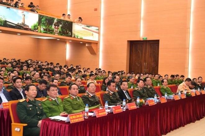 Công an Hà Nội ra quân bảo vệ tuyệt đối an toàn Đại hội Đảng lần thứ XIII ảnh 1