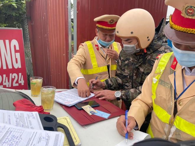 Xử lý nghiêm lái xe vi phạm nồng độ cồn ở khu vực gần sân bay Nội Bài ảnh 4