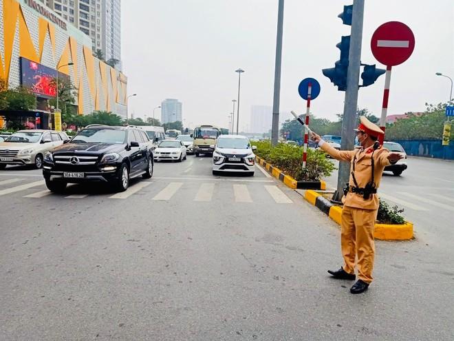 Phạt hàng chục lái xe vi phạm nồng độ cồn trong những ngày Tết ảnh 1