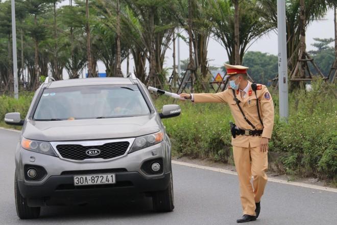 Không để xảy ra tai nạn với người dân trên đường đi lễ hội chùa Hương ảnh 1