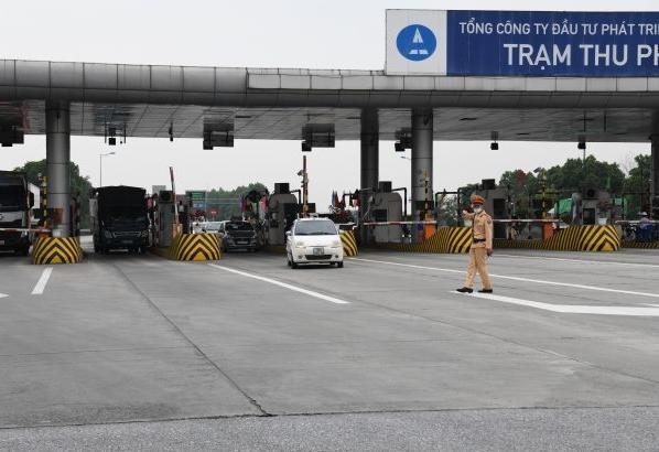 'Soi' kỹ vi phạm nồng độ cồn và ma túy trên cao tốc Hà Nội – Lào Cai ảnh 1