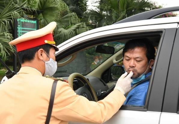 'Soi' kỹ vi phạm nồng độ cồn và ma túy trên cao tốc Hà Nội – Lào Cai ảnh 8