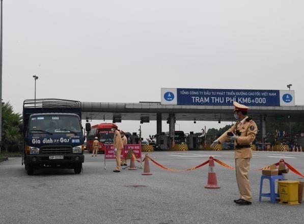 'Soi' kỹ vi phạm nồng độ cồn và ma túy trên cao tốc Hà Nội – Lào Cai ảnh 2